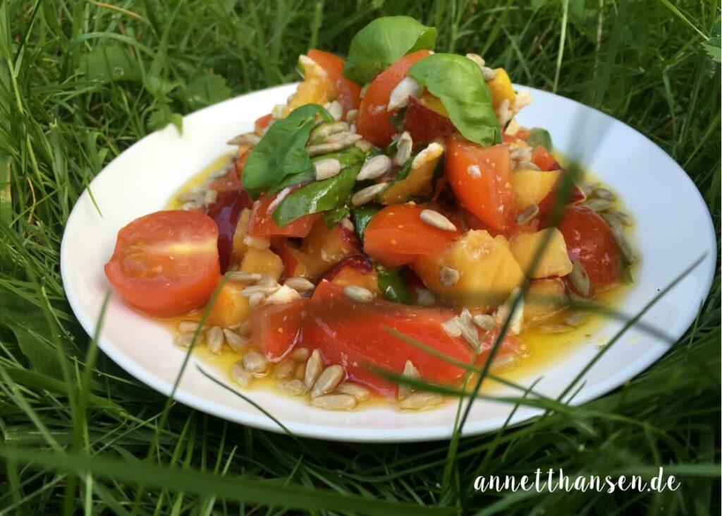 Tomaten Nektarinen Salat